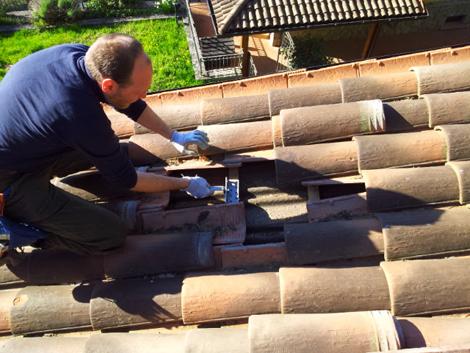 Montaggio pannello solare su tetto