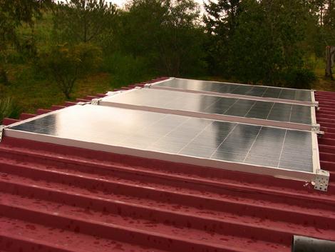 Come faccio a collegare i pannelli solari a casa mia