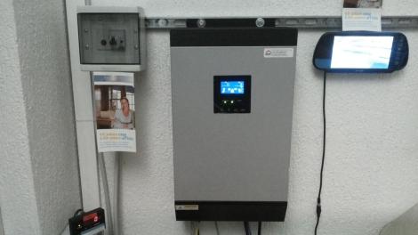 Inverter 4kW/5kVA con regolatore MPPT 60A